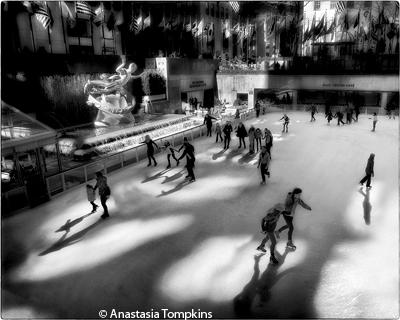 april__themenyc_street_scenes_tompkins_anastasia_iceskaters