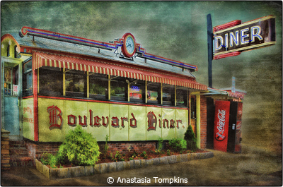 april-altered-reality_tompkins_anastasia_diner