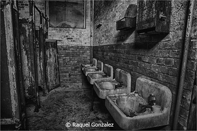 january-black-and-white_gonzalez_raquel_the-bathroom-is-out-of-order
