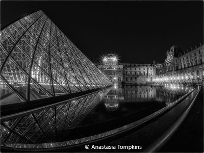 Anastasia_Tompkins_night-time-at-the-louvre_Image-of-the-Month_November-Theme--Night-Photos_20171104