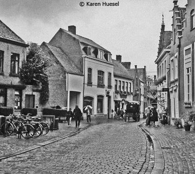 october-theme-street-photographyany-street-anywhere_huesel_karen_streetinbruges